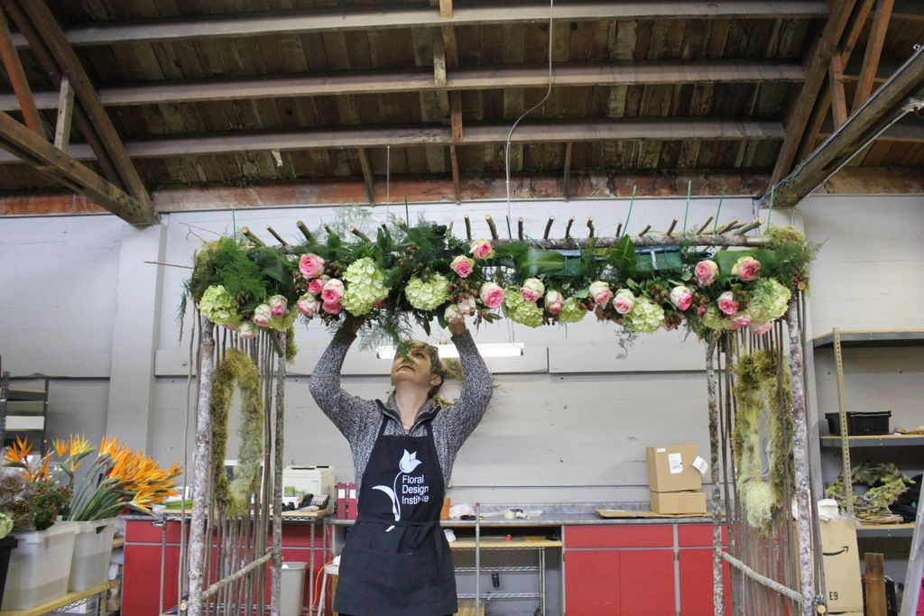 How To Decorate Wedding Arch Chuppah With Fresh Flowers Roses Esperance -3968
