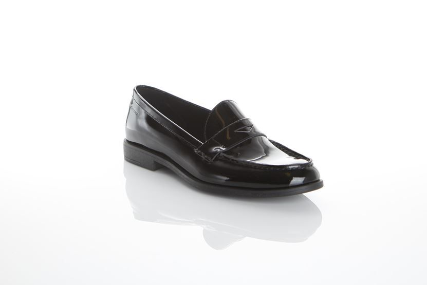 Vagabond Tay The Classic And Comfortable Tay Penny Loafer Never Goes Out Of Style Inspired By Men Shoes Loafers Penny Loafers