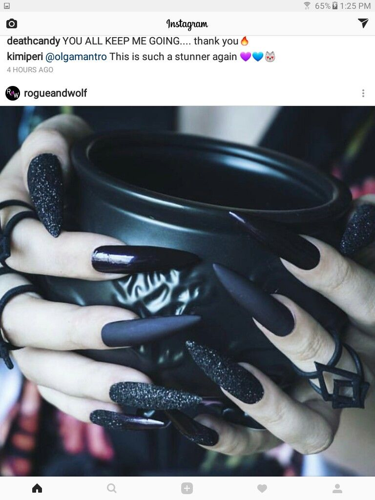 But coffin shape 😍😍🤘🏻 | Goth nails, Gothic nails ...