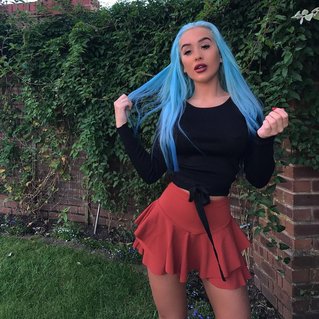 Bleubriggs On Instagram Outfits Fashion Blue Hair