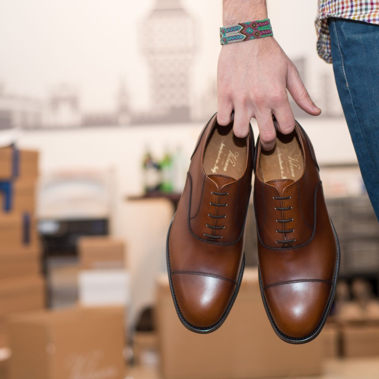 """Cicisbeo"" --> #brown oxford available at www.velasca.com #velascamilano #menswear #mensshoes #mensstyle #mensfashion #gentlemen #madeinitaly #shoes #style"