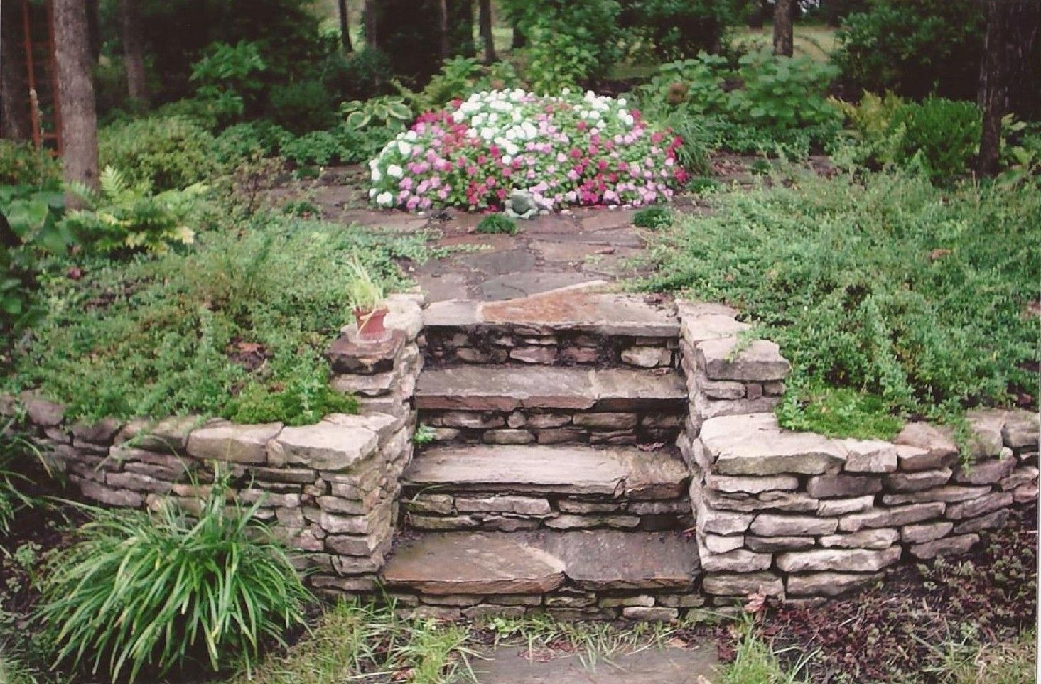 Stone Landscape Borders We offer you an endless variety