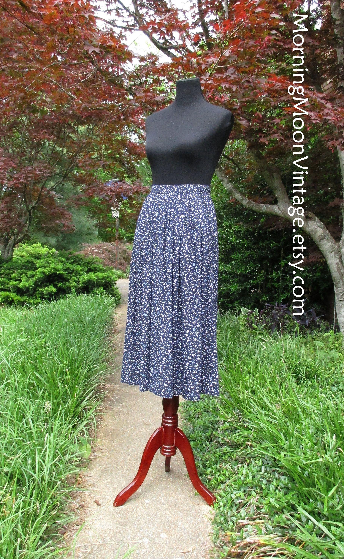 5151f21293 VINTAGE MIDI SKIRT, 90s Boho Rayon Print Skirt, ditzy floral skirt, Navy  Dark Blue Purple White flowers, knee-length pleated skirt, ...