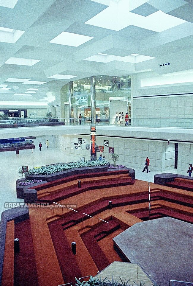 Fair Oaks Mall (Fairfax, VA) - 1980s Such a change from how the