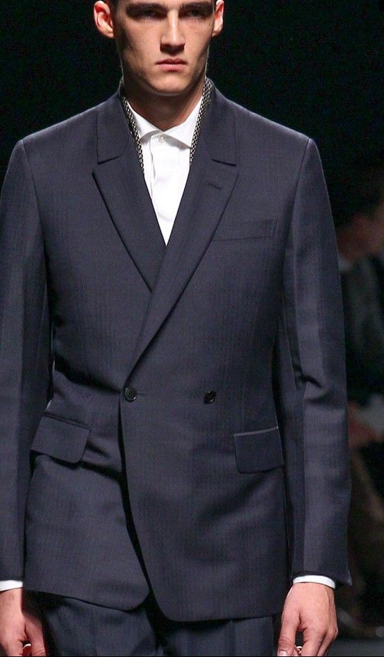 Stefano Pilati's debut collection, Ermenegildo Zegna Spring 2014 Menswear. Refreshing from all the skinny boyswear of late. Of course, very Italian.