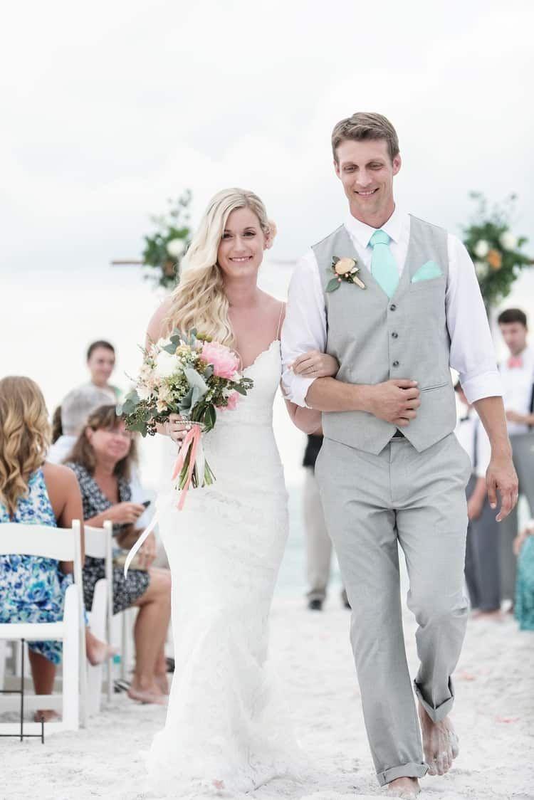 50 Stylish Destination Wedding Groom Attire Ideas Com Imagens