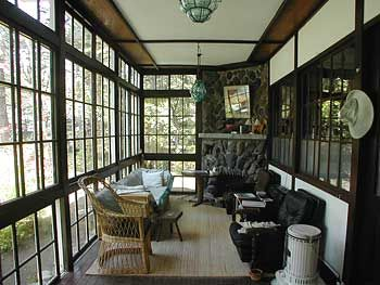 昭和初期の洋風建築の粋が活かされた別荘 植物学者の軽井沢の家