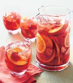 peach-strawberry sangria