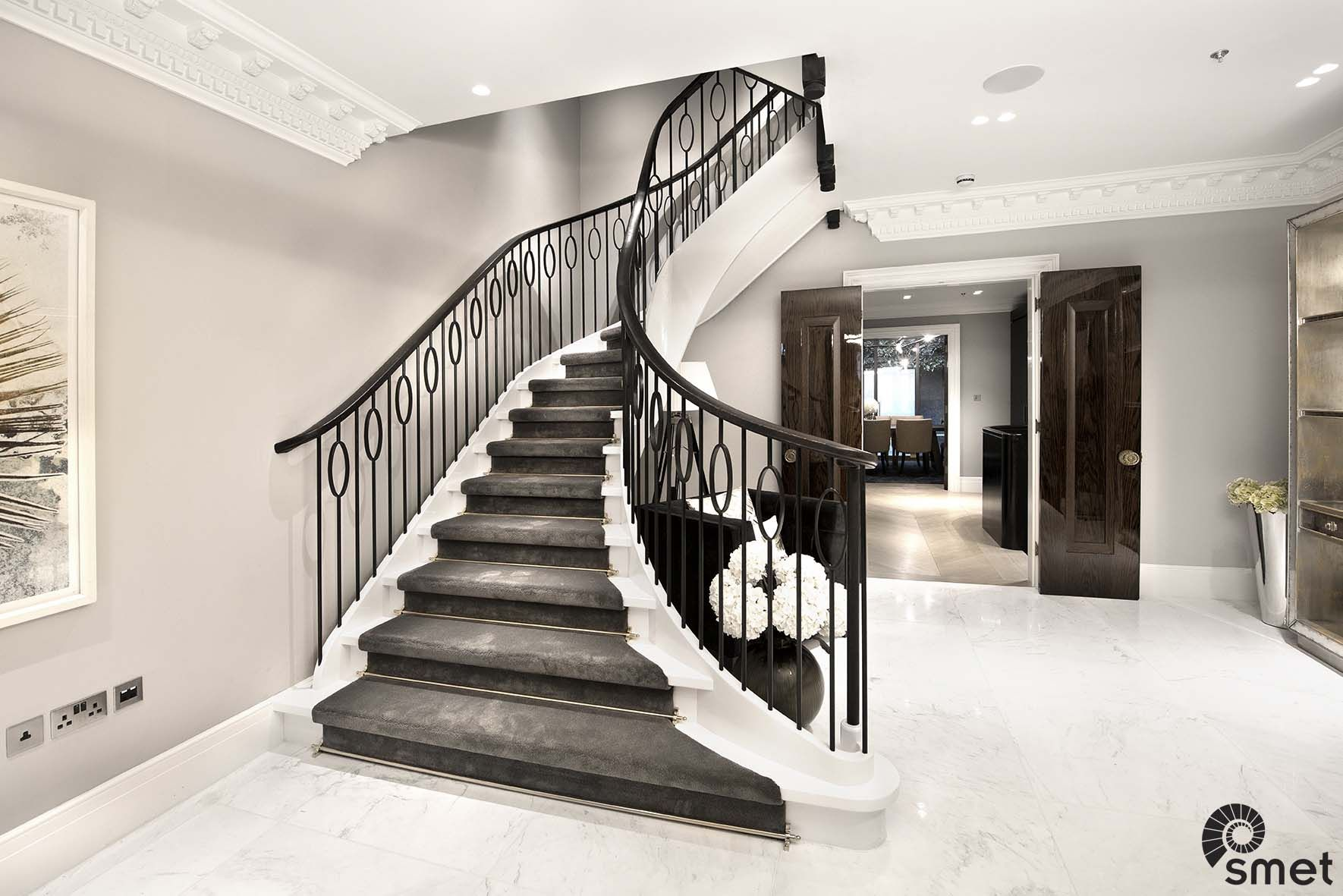 Best Curved Staircase With A Bespoke Steel Spindle Design 400 x 300
