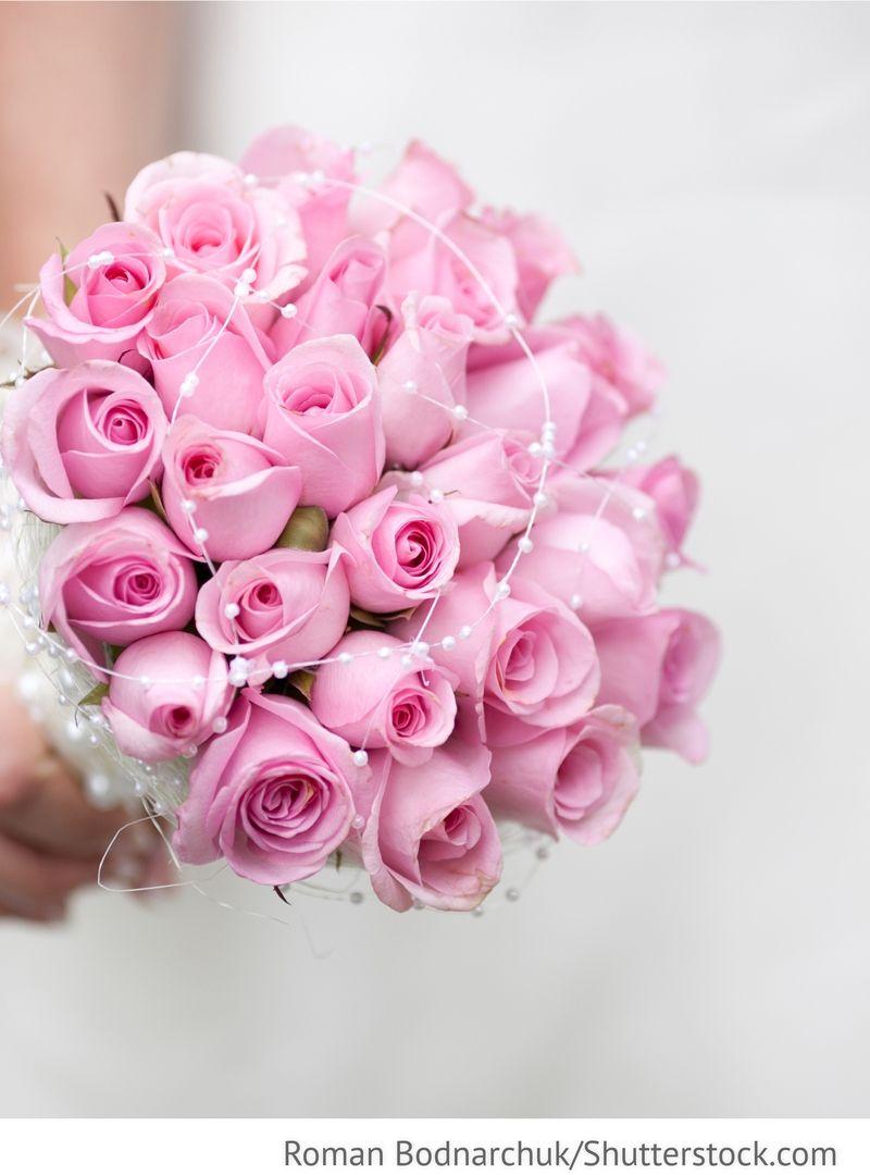 Brautstrauß aus Rosen für russische Hochzeiten