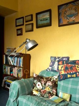 Duncannon Lighthouse sitting room. Jan Baldwin.