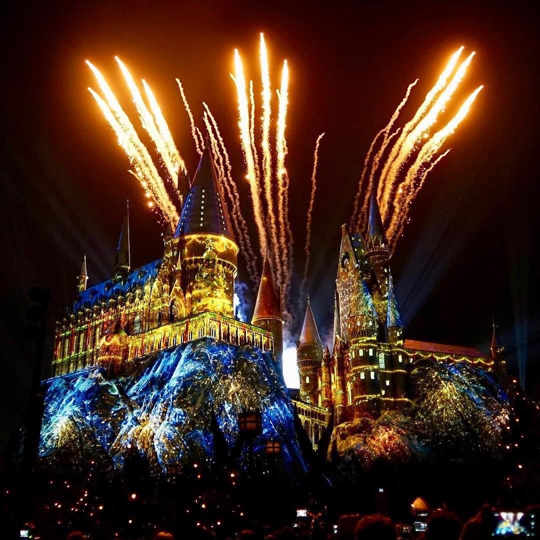 Fireworks Finale During The Magic Of Christmas At Hogwarts Show At Universal Orlando Universal Islands Of Adventure Universal Studios Florida Universal Orlando