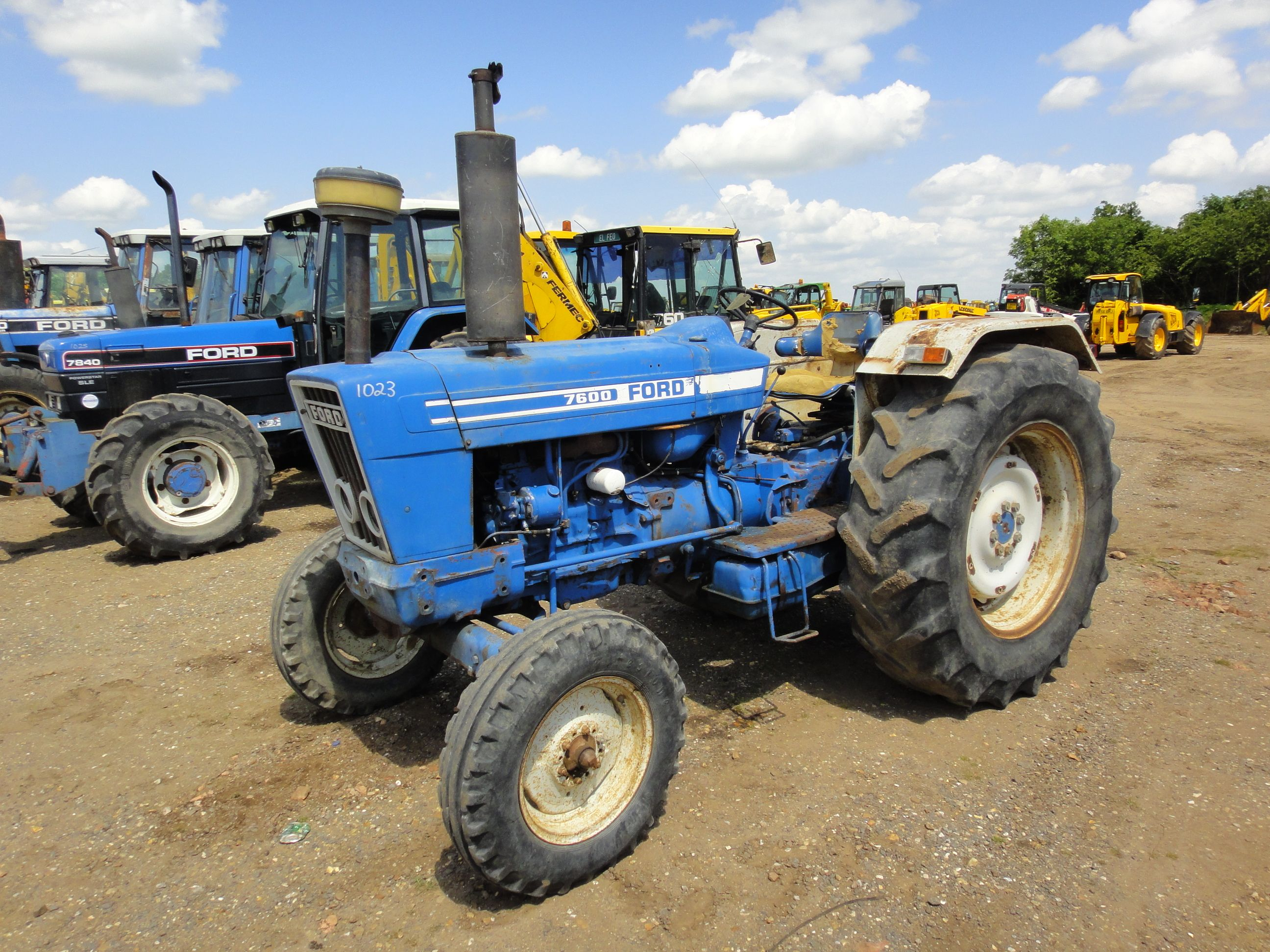 Ford Farm Tractors Lot 1023 Ford 7600 Turbo 4x2 Tractor With Fitted 18 4x34 Rear Tyres Tractors New Holland Tractor Ford Tractors