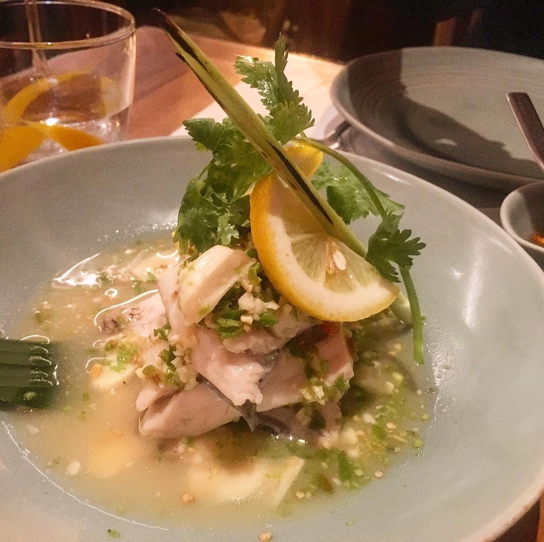 Streamed Sea bass with lemongrass #thaicuisine #thailand #spicyfood #fish #instafood #thai #delicious #nomnom http://w3food.com/ipost/1507133732163049375/?code=BTqaiTullef