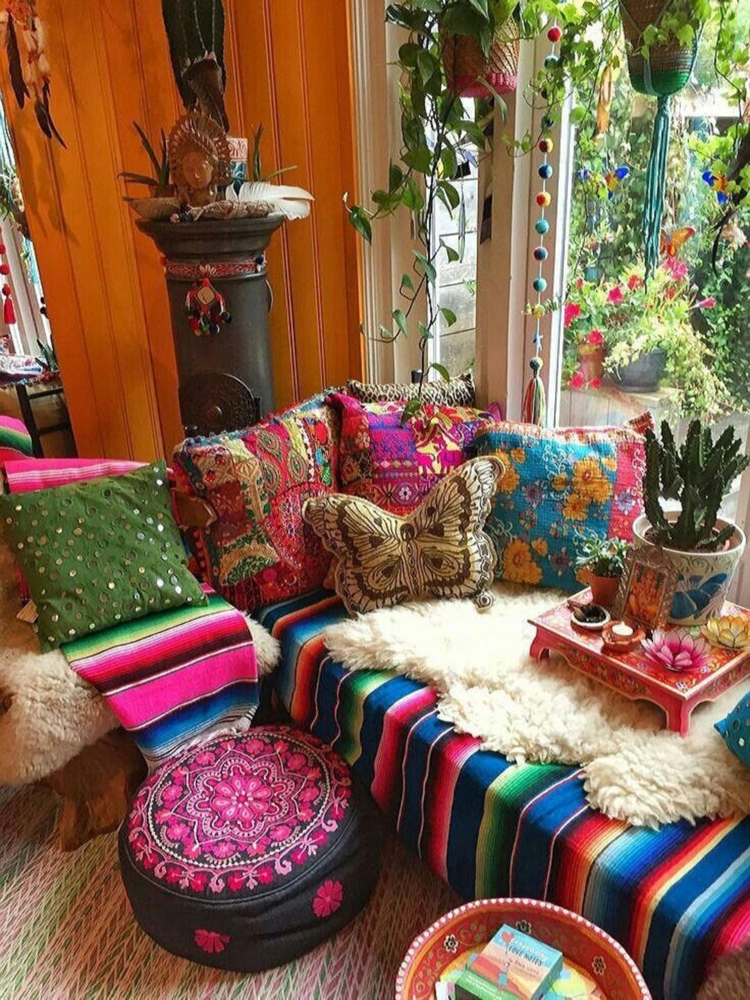 35 chic bohemian decorating ideas for stunning front porch. Black Bedroom Furniture Sets. Home Design Ideas