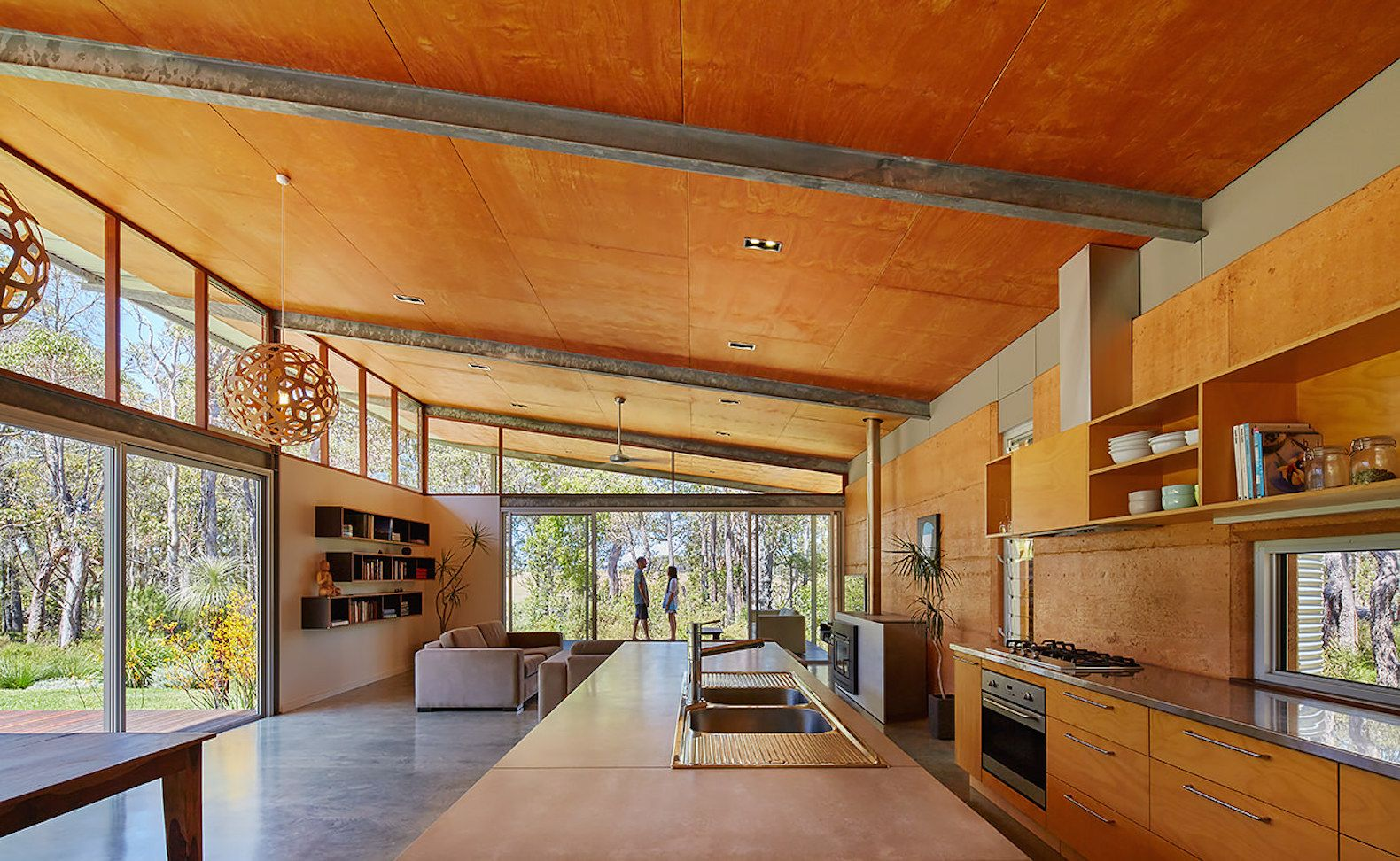 Solar Powered Bush House Exemplifies Chic Eco Friendly