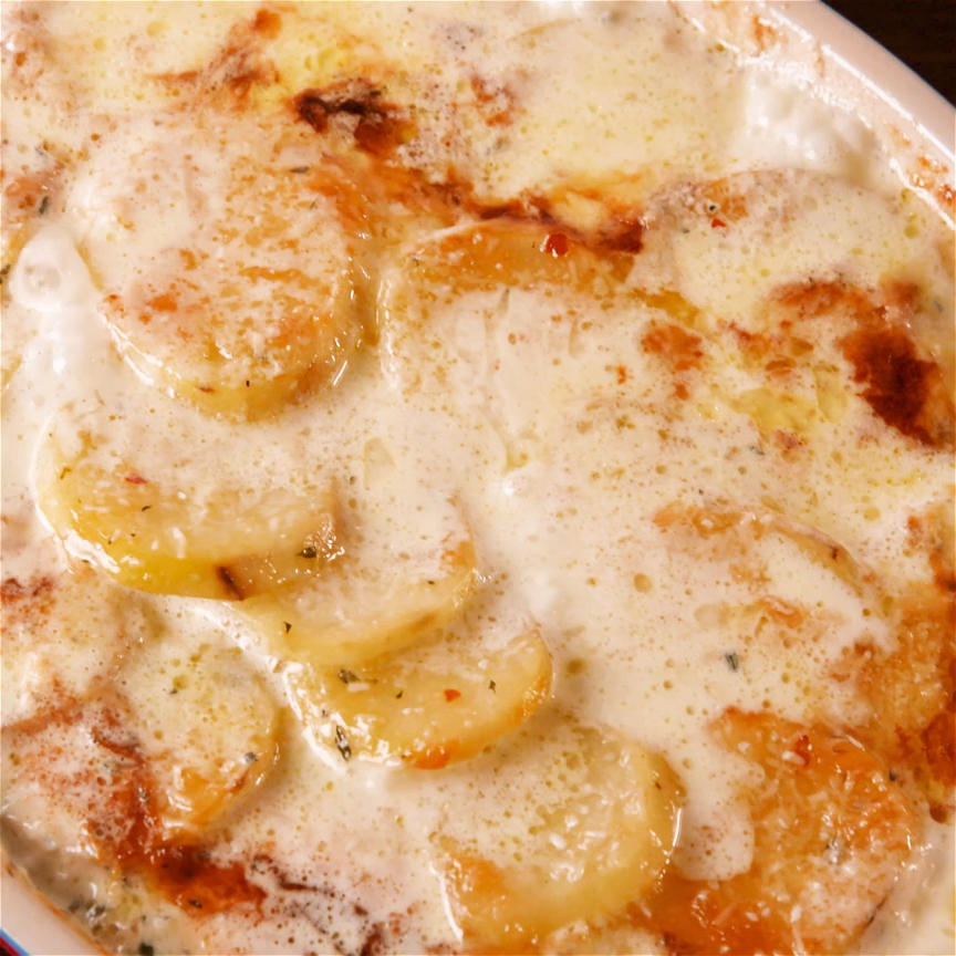 The Cheesy Sauce In This Potatoes Au Gratin Is So Good, We Could Cry is part of Potatoes - This cheesy Potatoes Au Gratin recipe beats all other potato side dishes out there  Here's the best way to cook homemade au gratin potatoes at home before your holiday meal