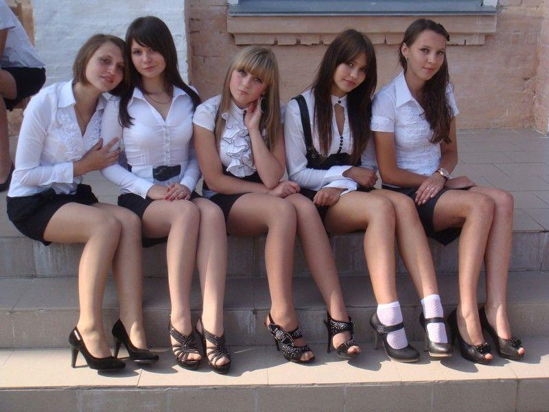 High School Days Girls School College Girls Kristen Stewart Sexy Teens