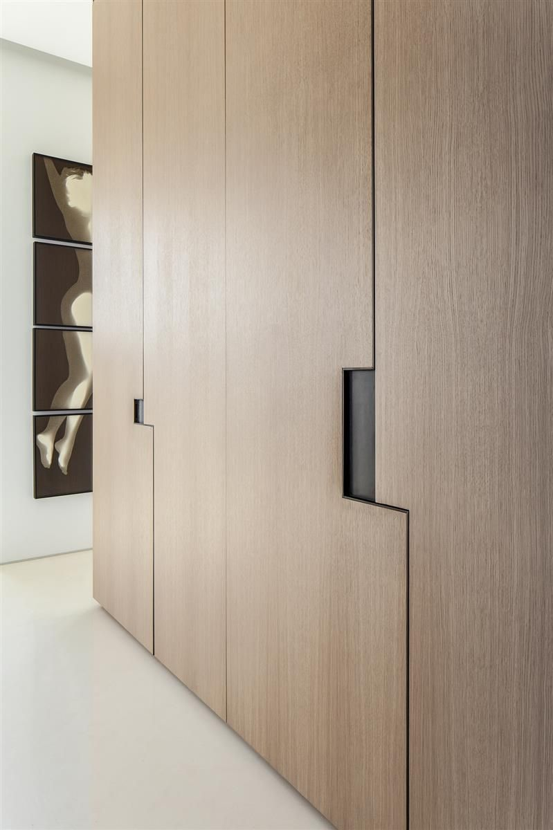 Detail the arts collectors apartment in tel aviv by pitsou kedem