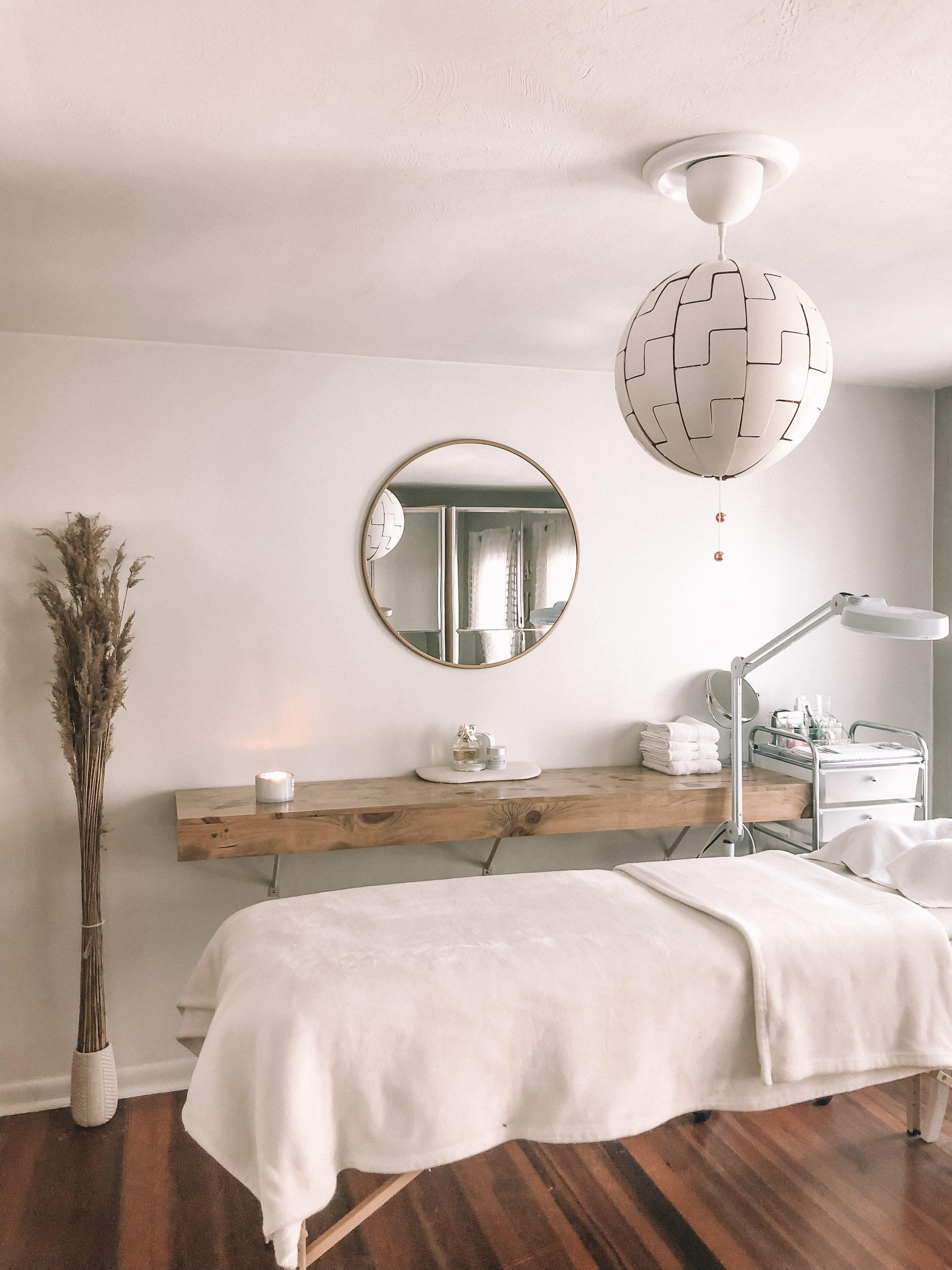 Lash Room #lashroomdecor Eyelash extension lash decor. Clean, minimalistic, rus... #Treatme...