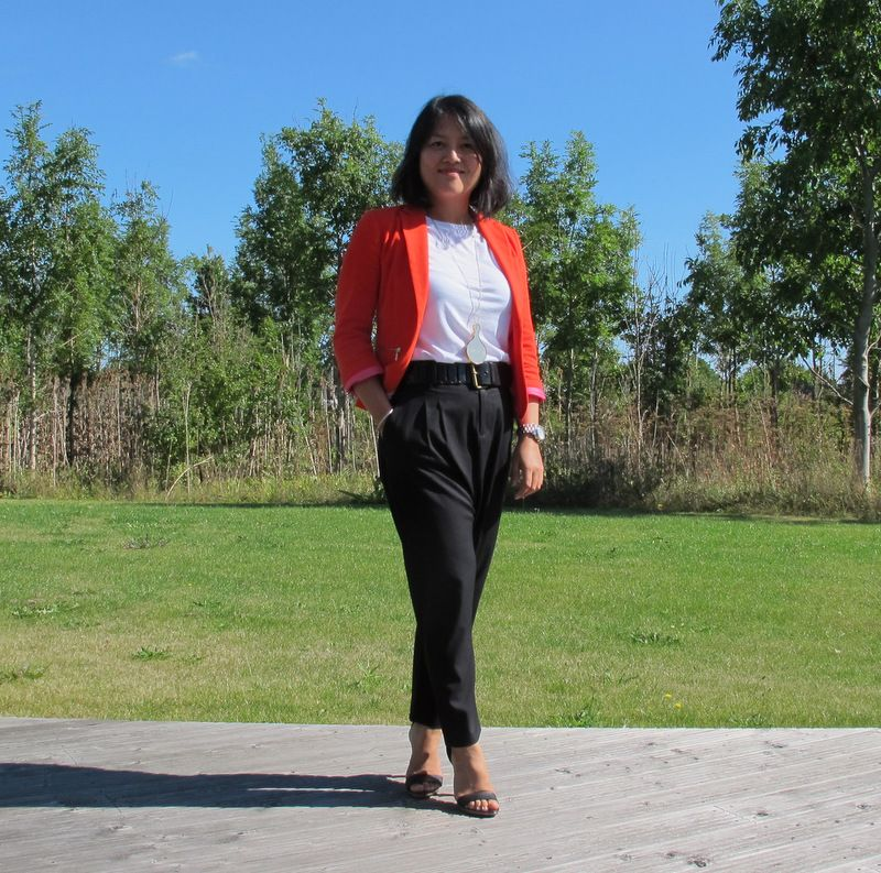 Red blazer on a summerday