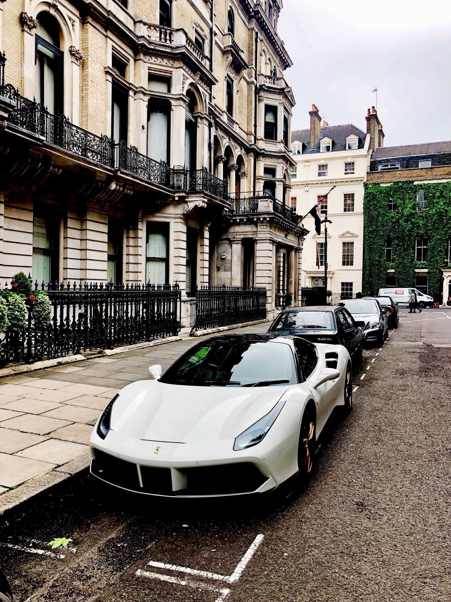 Oc Ferrari 488 Spotted In Mayfair Cars Italian Cars Luxury Cars