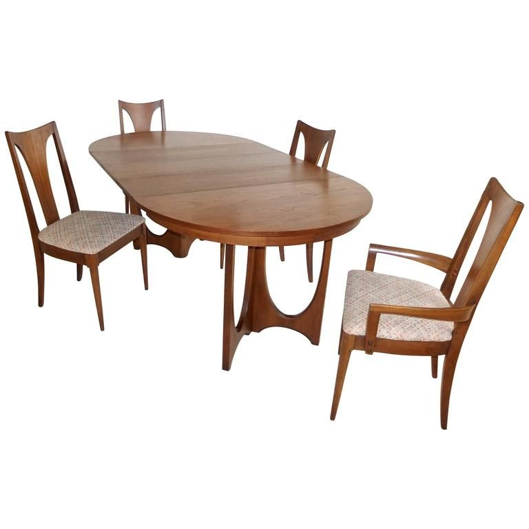Broyhill Brasilia Walnut Dining Table and Chairs Walnut dining