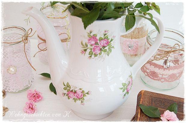 Alte #Kaffeekanne mit #Rosenmuster als Vase. #Hochzeitsdeko im #Shabby-Stil. http://de.dawanda.com/product/85192887-alte-kaffeekanne-vintage-shabby-rosen