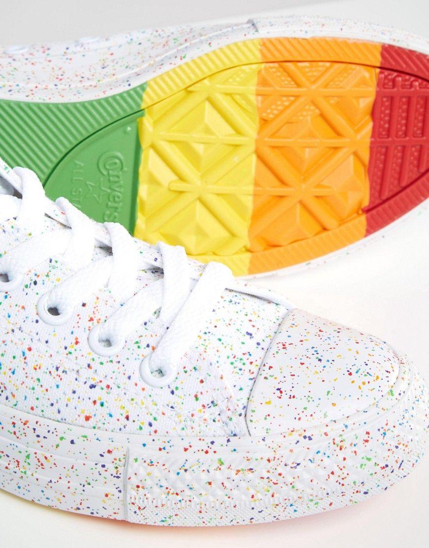 Zapatillas con diseño moteado y detalle de arcoíris Pride