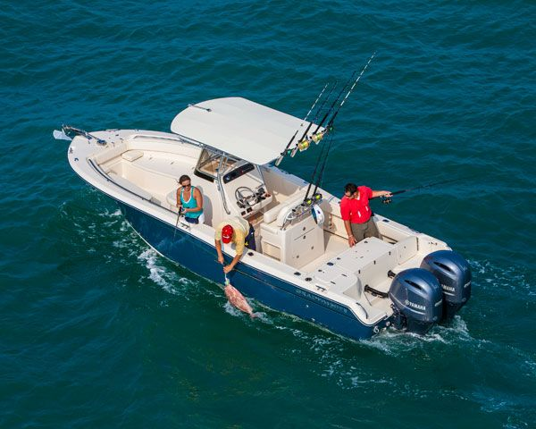The Grady-White, 257 Fisherman, 25' center console is a