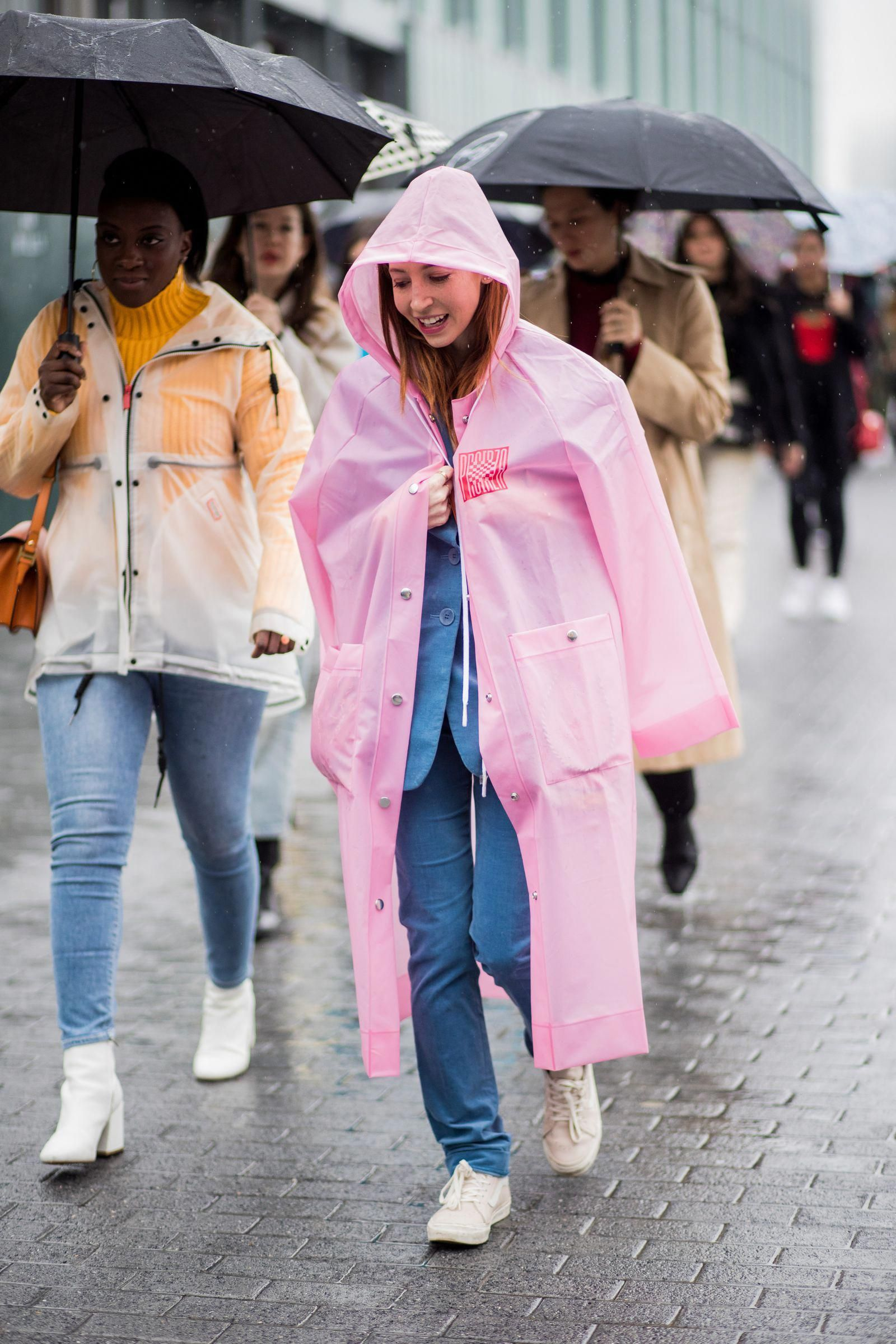 2bda6d97e013 Layer a Bright Raincoat Over a Blazer  raincoatsforwomenideas Layering  Outfits