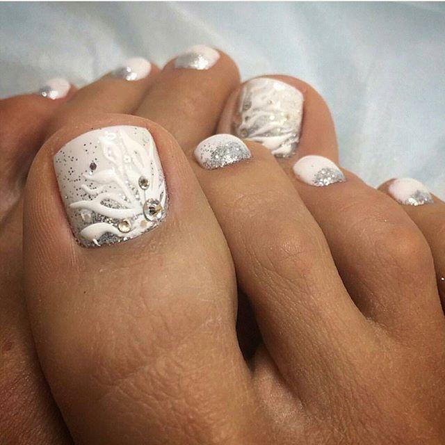 white toe nail art И��о�ник manikurika toe nail art