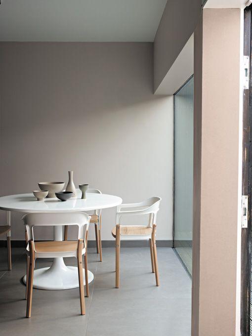 Una alternativa a las paredes blancas es este gris topo - Color paredes casa ...