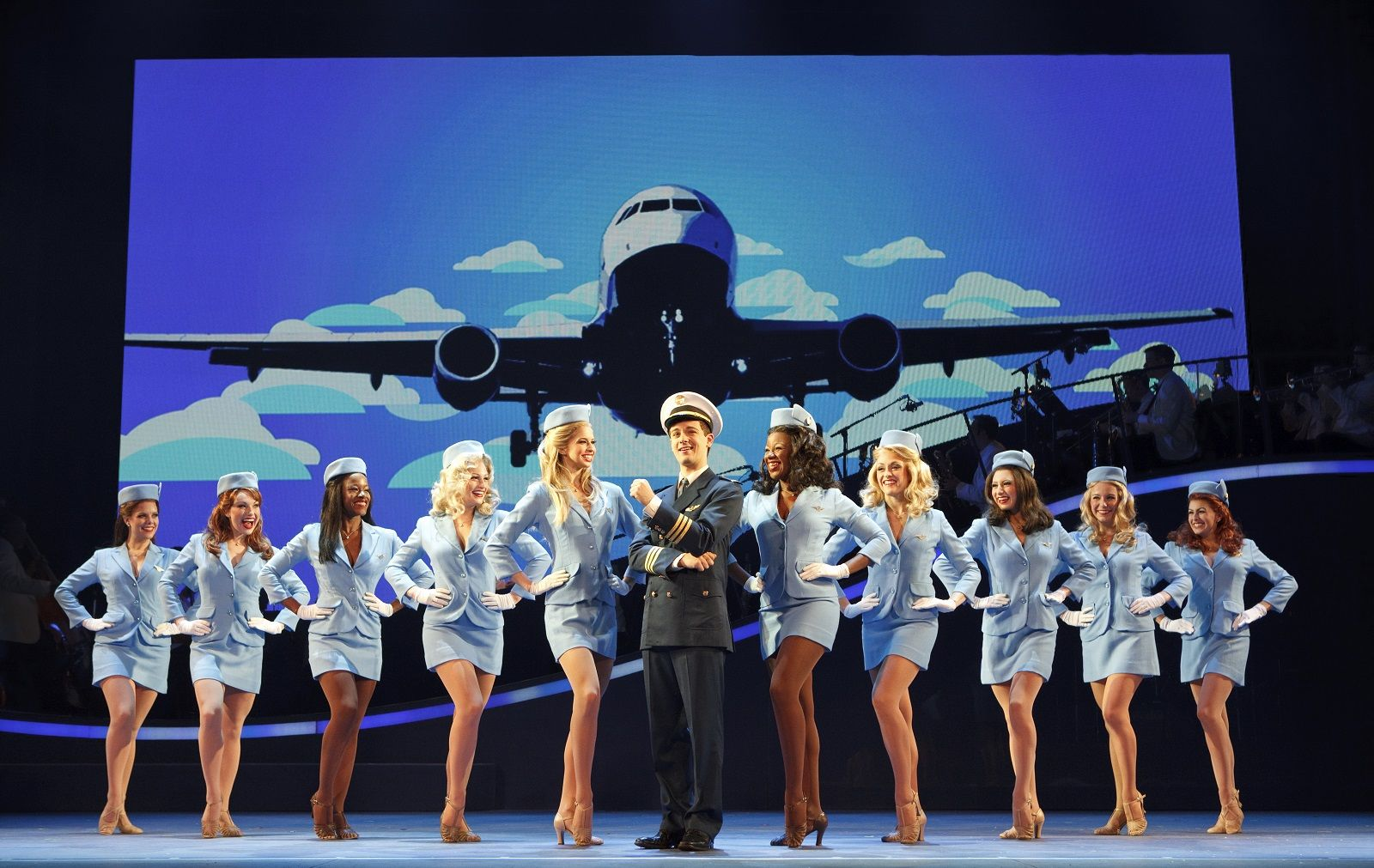 Catch Me If You Can Set Costume Props Us National Tour