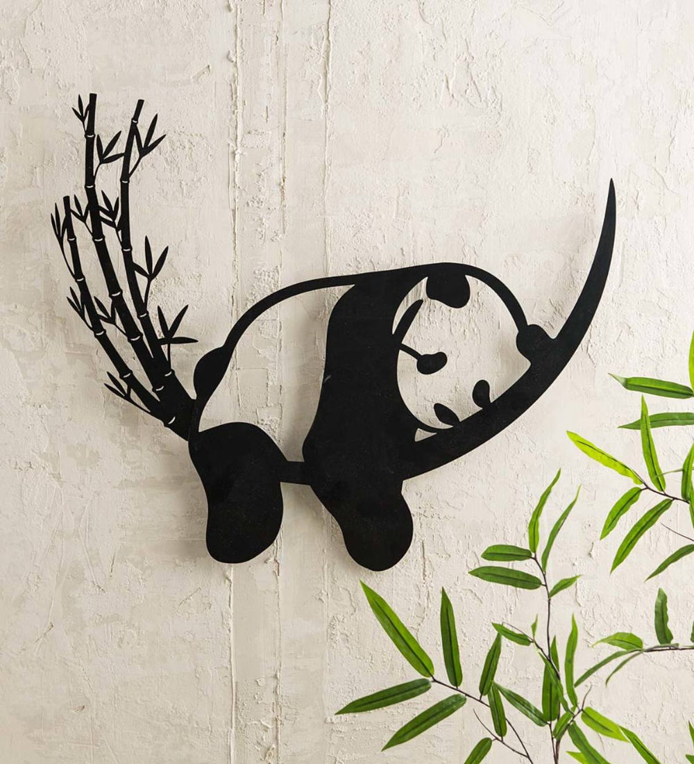 This Lovely Resting Panda And Bamboo Metal Wall Art Is A Striking Example Of Arte De Pared De Metal Decoracion De Pared De Metal Decoracion De Pared De Hierro