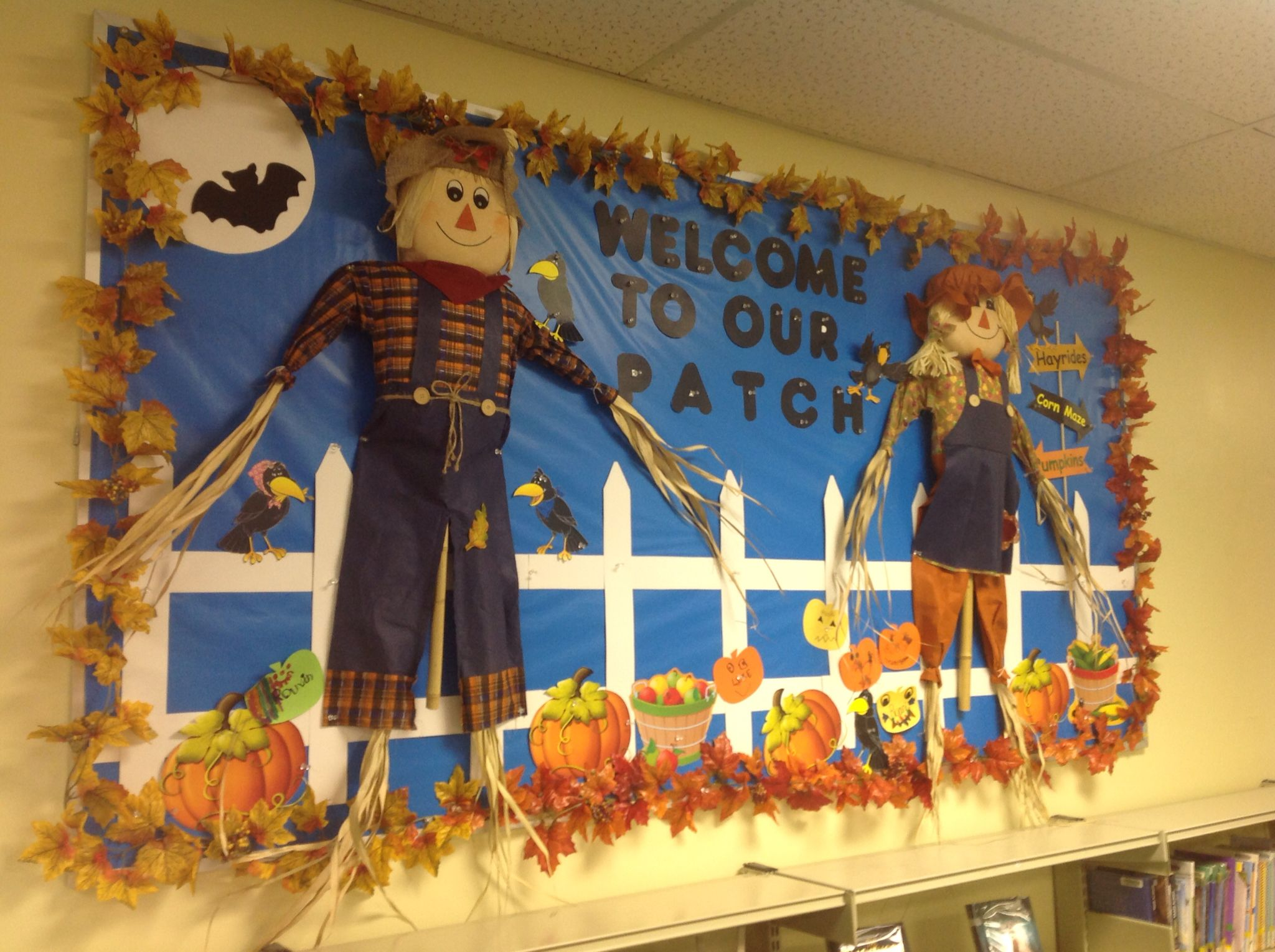 Bulletin Board With Scarecrows And Pumpkin Patch With