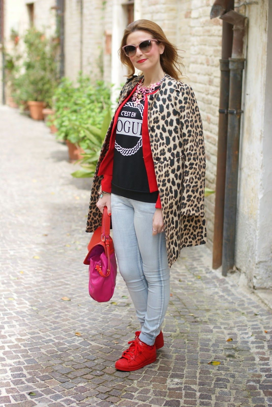 detailing eefe6 78a9f leopard jacket and red supercolor sneakers