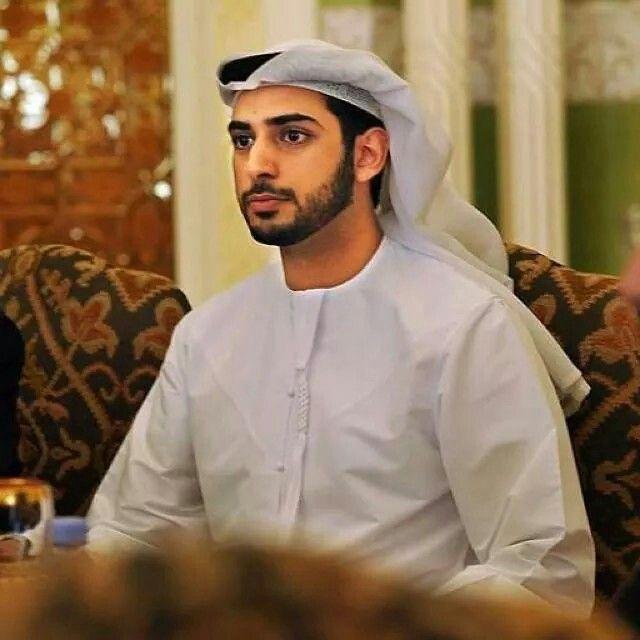 Pin By Nefefertari On Sheikh Zayed Mens Kurta Designs Muslim People Muslim Men