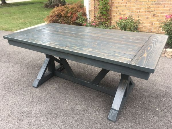 Used (normal Wear)   Awesome Farmhouse Style Dining/kitchen Trestle Table.  Solid