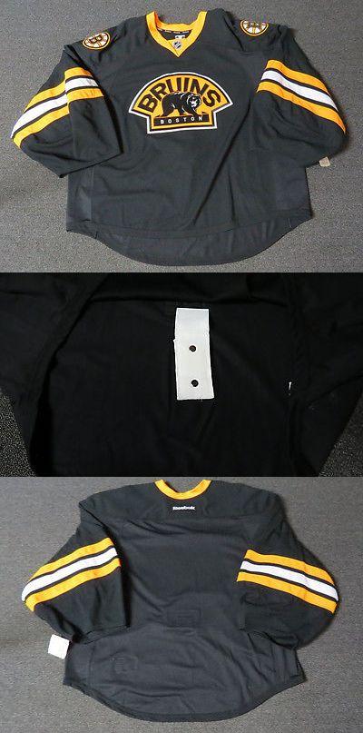 e10e2ee9b84 Hockey-NHL 24510  New Boston Bruins Third Authentic Team Issued Reebok Edge  2.0 Hockey
