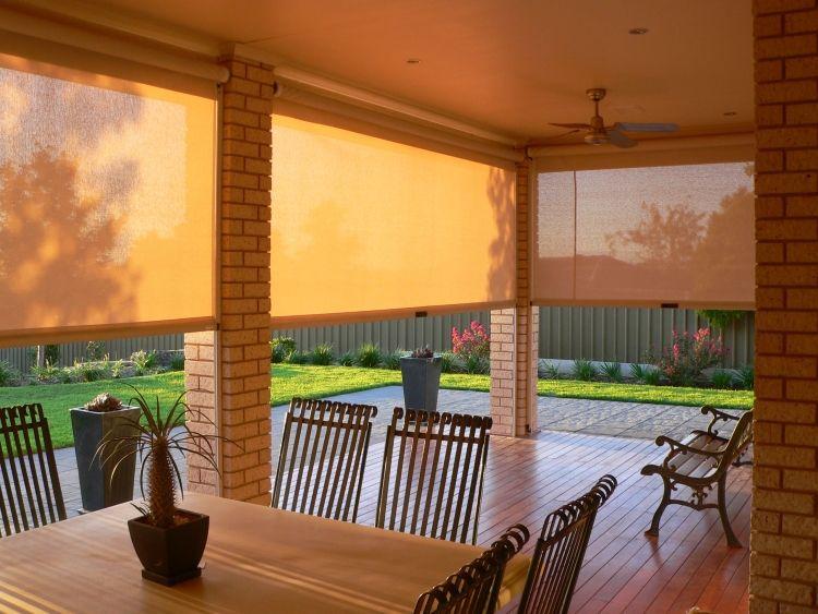 Plissee als Sichtschutz an der Balkontür ein Kundenfoto