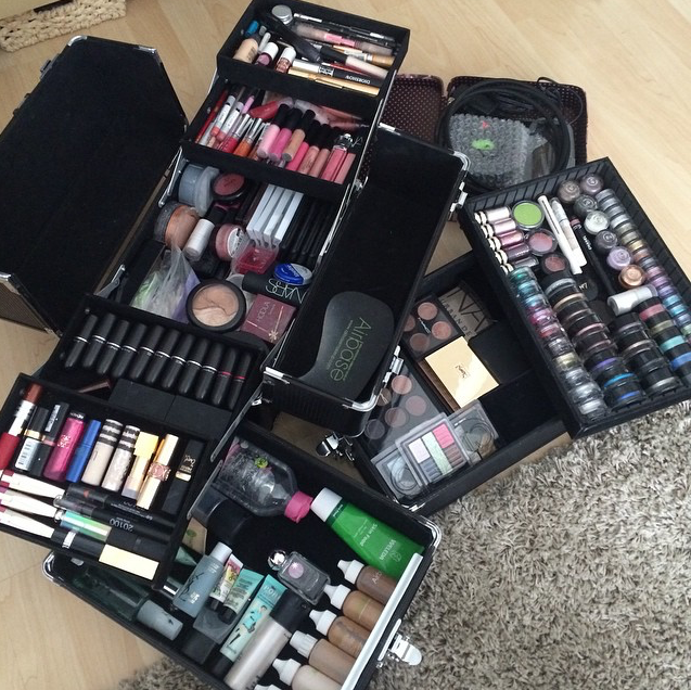 Freelance makeup kit organization ideas Makeup artist