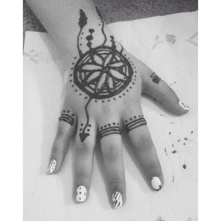 Dream Catcher Henna Tattoo Designs: Dream Catcher Henna #henna#dreamcatcher