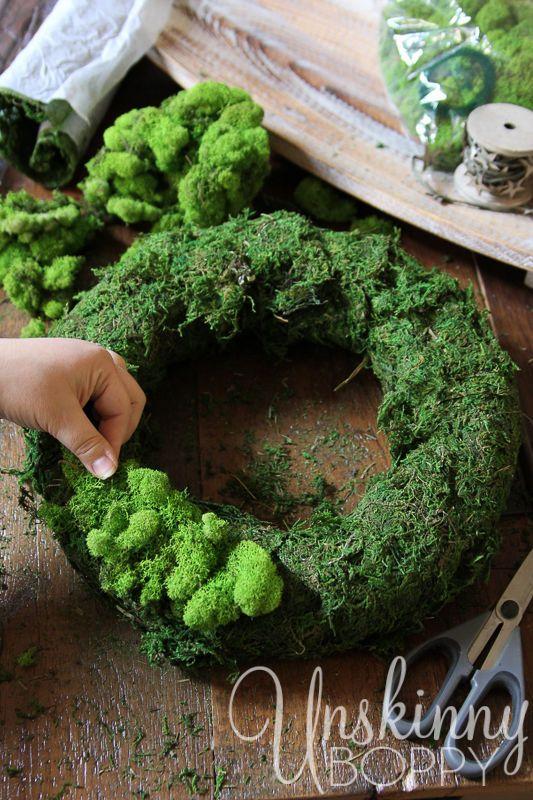 How To Make A Diy Reindeer Moss Wreath Homemade Christmas