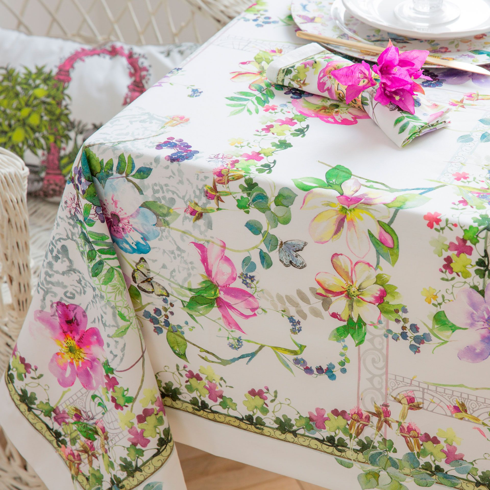 SPRING PRINT TABLECLOTH AND NAPKIN   Tablecloths U0026 Napkins   Tableware |  Zara Home United