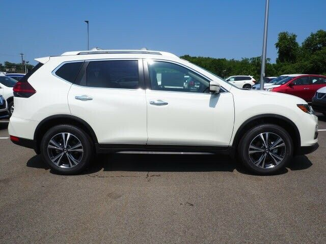 Used 2019 Nissan Rogue Sv Pearl White Nissan Rogue With 4 Miles Available Now 2020 Mycarboard Com In 2020 Nissan Rogue Nissan Rogue Sv Nissan