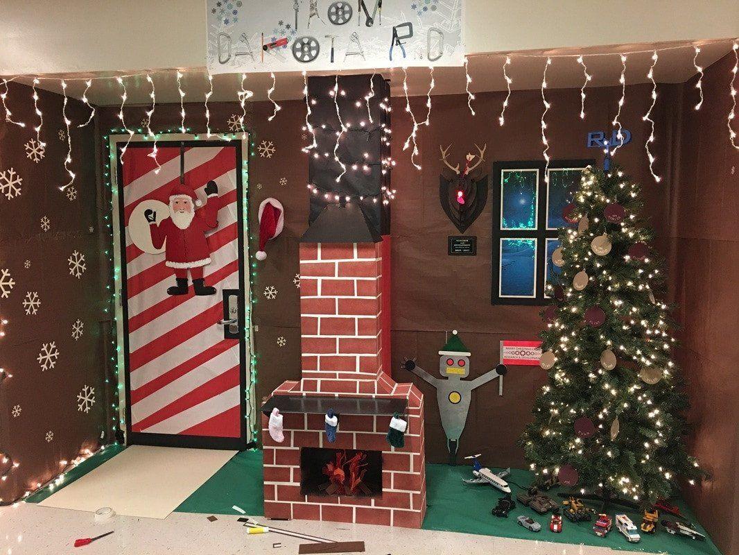 Christmas Door Decoration Ideas for School Beautiful Door Decorating Contest #christmasdoordecorationsforschool Christmas Door Decoration Ideas for School Beautiful Door Decorating Contest