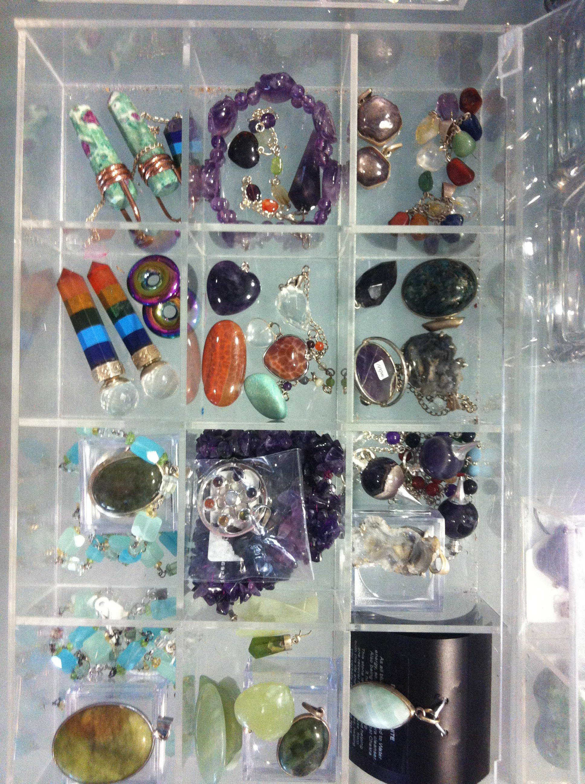Crystalls-Κρύσταλλοι Μόνο Εδώ http://www.azima.gr