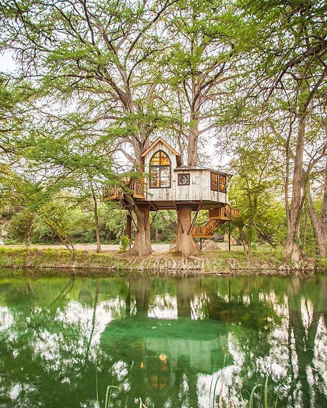 Treehouse Utopia Beautiful Forest Retreat in Texas!