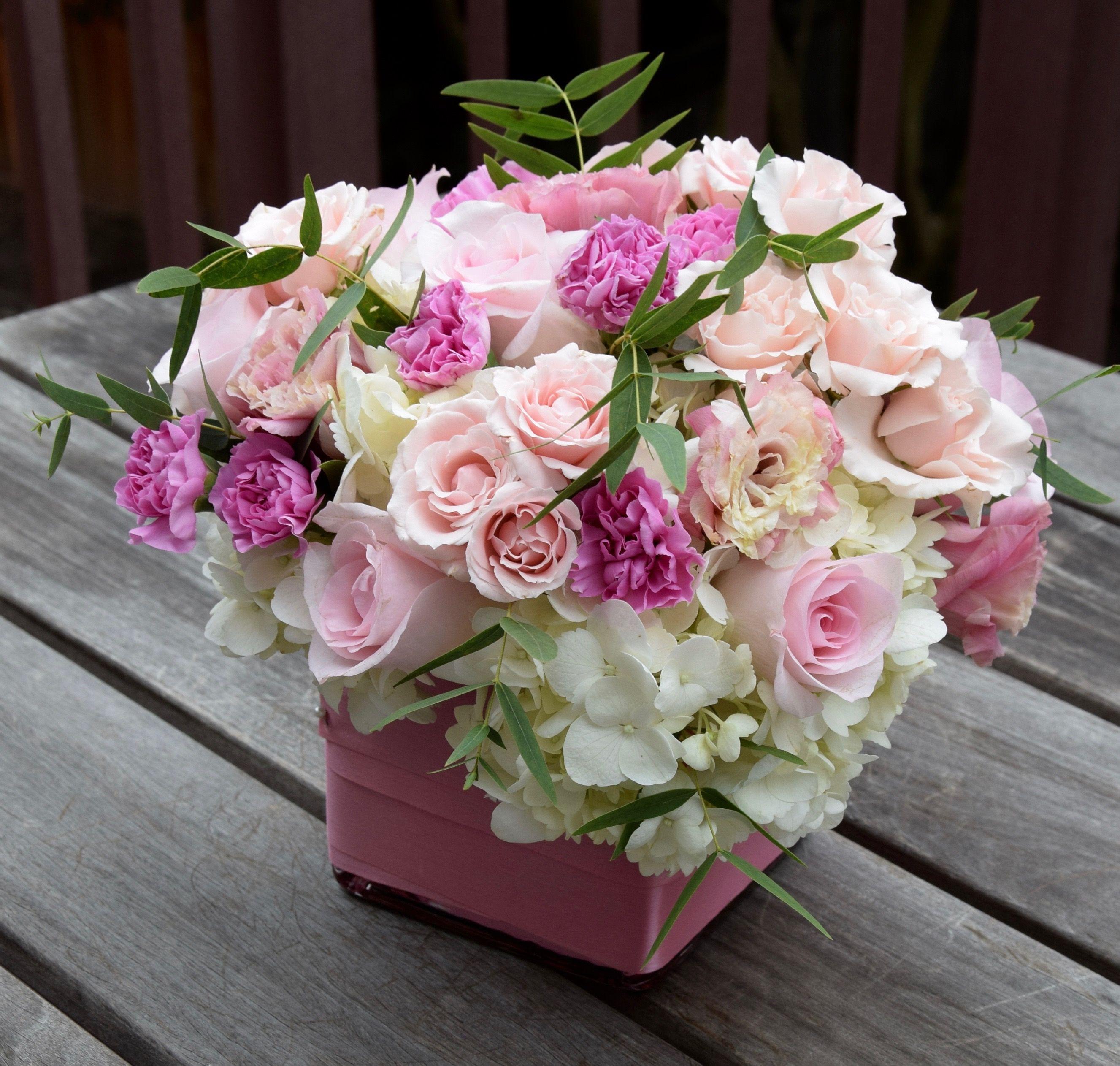Sweet Pink Flower Arrangement With Roses Lisianthus Hydrangeas Mini Carnations Flower Arrangements Pink Flower Arrangements Flowers